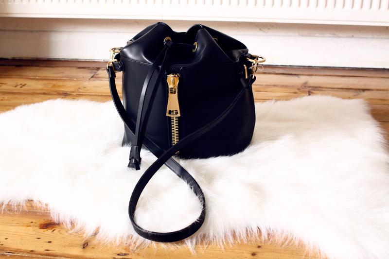 zara-zipped-bucket-bag-2